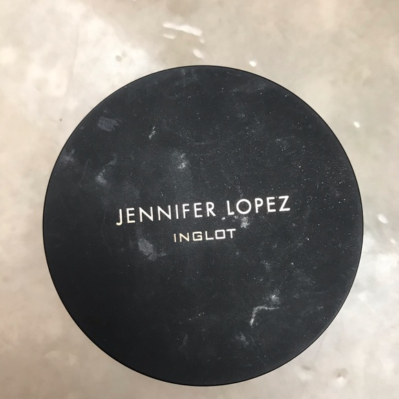 J lo x inglot highlighter in living the life